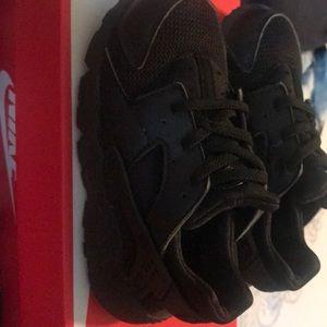Nike air max huarache size 11c